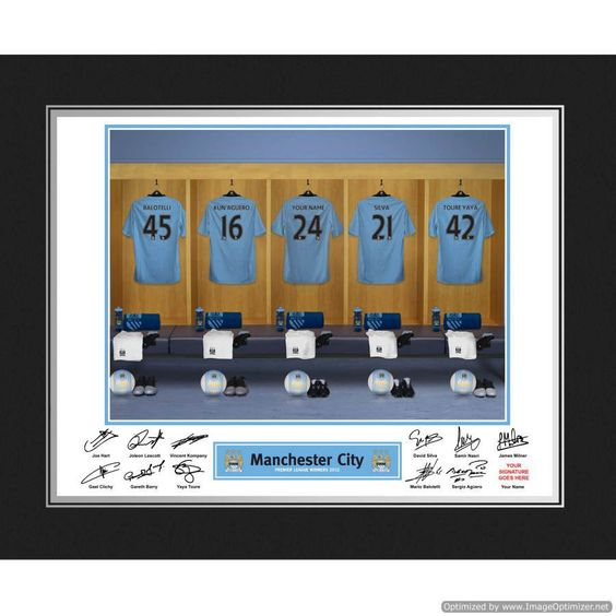 Personal Touch Gifts - Manchester City Dressing Room Folder, £19.99 (http://personaltouchgifts.co.uk/manchester-city-dressing-room-folder/)