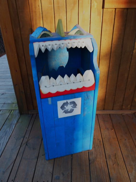 Zipquest nc zip line recycle bin how creative for Stehpult pappe
