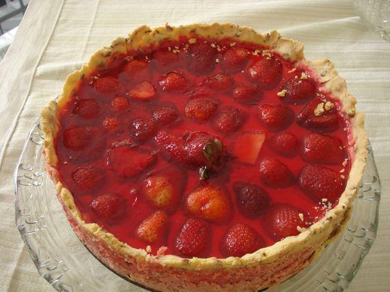 Receita de Torta de Morangos. Enviada por Camila Gazola e demora apenas 30 minutos.