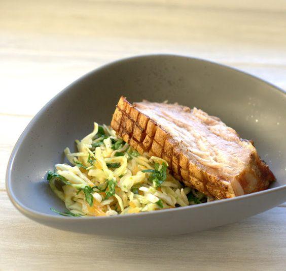 bushcooks kitchen: Knuspriger Schweinebauch mit  Weißkraut-Mandarinen...