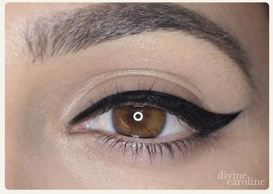 Dz Fashion كيفية رسم الايلاينر بالصور Winged Eyeliner How To Do Winged Eyeliner Hair Beauty