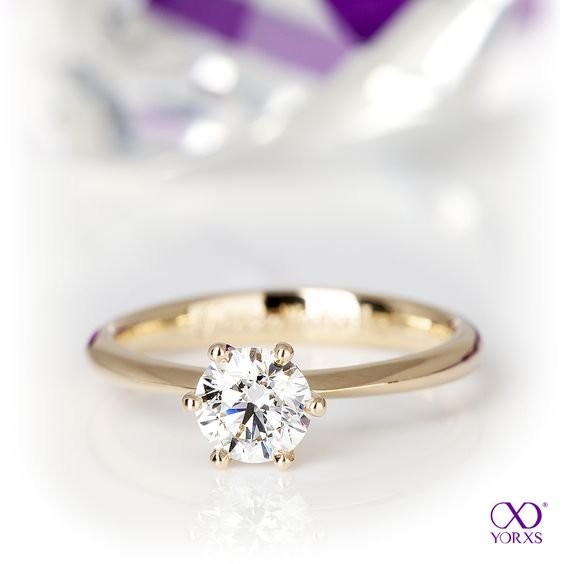 """""""Yorxs No. 7"""" is a real eyecatcher and ideal as engagement ring #yorxs #diamantring #verlobungsring #inspirationen"""