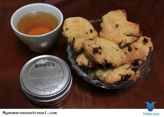 Người Myanmar đặc biệt thích các loại bánh khá nhau từ ngọt đến mặn. Ở bất kỳ quán trà nào ở Myanmar ban cũng có thể bắt gặp những hình ảnh một đĩa bánh các loại đặt sẵn trên bàn để cùng nhâm nhi với trà nóng. Xem thêm: http://myanmarsensetravel.com/tra-banh-myanmar-pn.html