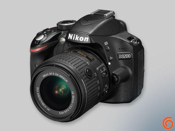 Guía de regalos de navidad 2014: Nikon D3200 http://thegroyne.com/regalos-navidad-2014/entre-250-500-euros/#10
