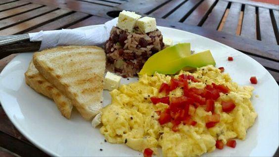 Nicaraguan breakfast with avocado & cheese. www.hostelosmarch.com