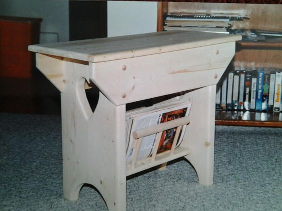 Country end table with magazine rack