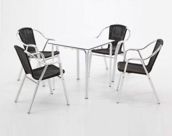 ¿Buscas mesas de bar económicas? http://www.ventaclick.com.es/2015/02/mesas-de-aluminio-con-tableros.html