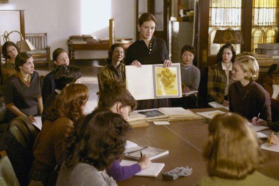 Julia Roberts (as Katherine Ann Watson) and Julia Stiles (as Joan Brandwyn) in Mona Lisa Smile (2003) #monalisasmile #juliaroberts #juliastiles