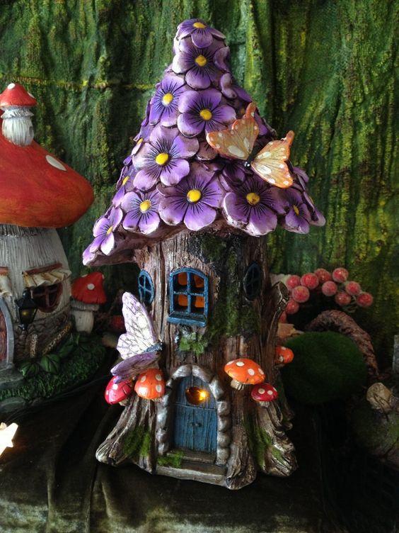 Flower Fairy House Solar-powered, Large Purple