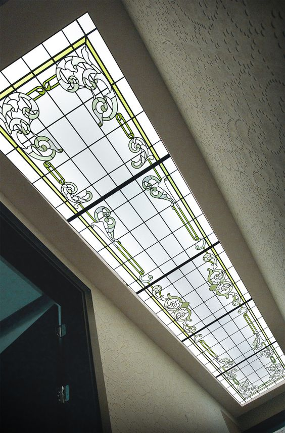 Plafond couloir villa r alisation sur verre clair for Realisation plafond