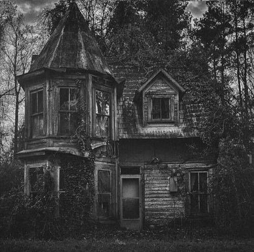 Blackandwhite Creepy Dark Forest House Mansion Photography
