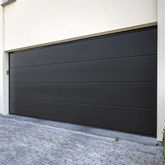 Pose D Un Porte De Garage Sectionnelle Artens Prermium Est Sur Leroymerlin Fr Faites Le Bon Choix En Retrouva Porte De Garage Sectionnelle Porte Garage Garage