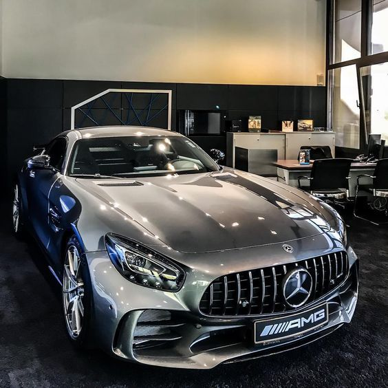 Welcome To The Official Account Of Luxury World Cars An Online Magazine Aimed For The True Lovers Of Luxur Mercedes Benz Cars Benz Car Mercedes Car