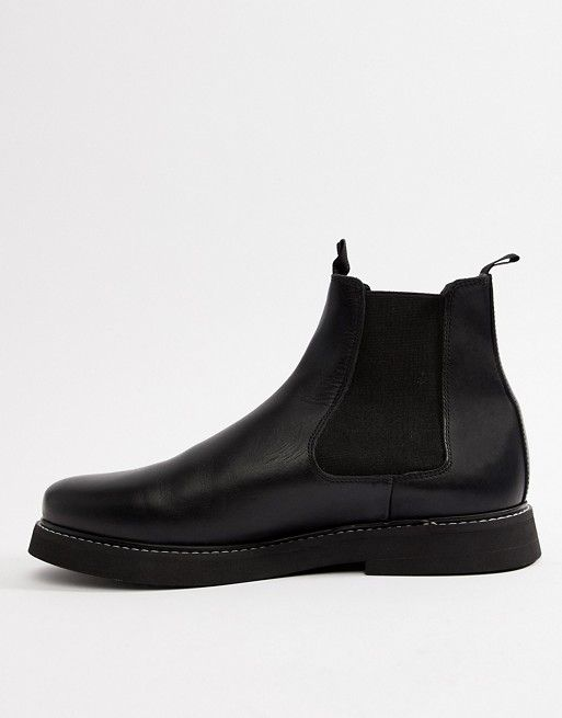 DESIGN Wide Fit chelsea boots in black leather with chunky
