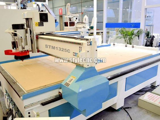 The third detailed picture of Wood engraving machine for wood furniture, table, chair, doors
