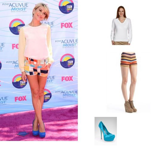 The actress looked laid back and lovely in her colorful and fun shorts and blue heels.