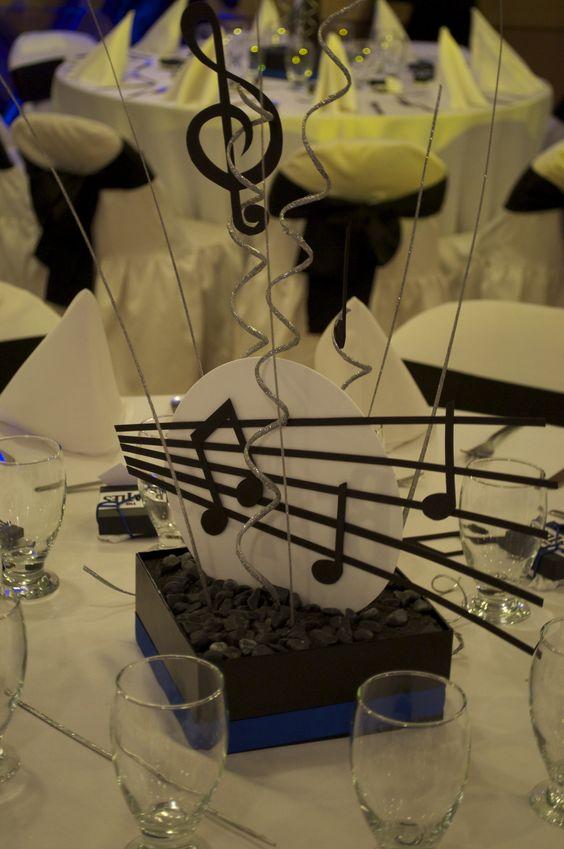 Matrimonio Tema Opera Lirica : Centro de mesa para años con tematica musical