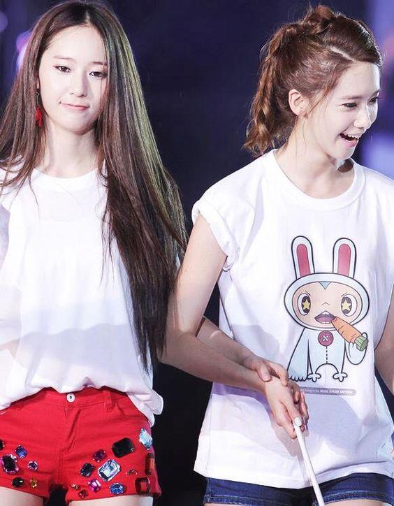 Krystal and Yoona F(x) Krystal And Yoona