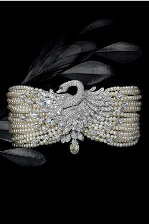 Diamond and pearl swan bracelet.:
