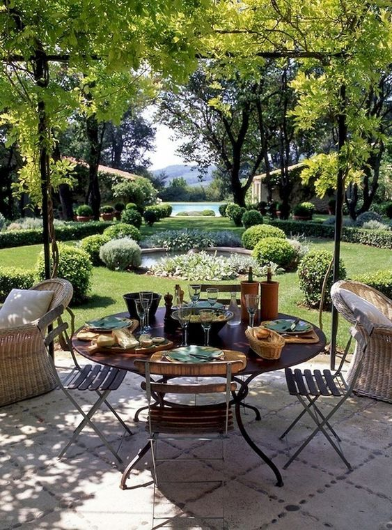 Amazingly Inspiring Backyard Dining Ideas To Copy Decortrendy Backyard Dining Backyard Landscaping Backyard