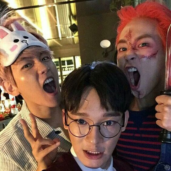 ChenBaekXi<<Nice Harry Potter costume, I was a witch in Ravenclaw for Halloween