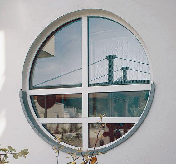 تركيب نوافذ غير تقليدية الشبابيك ذات الاشكال الغير عادية باللون الأبيض هي الأكثر شعبية تصنيع النافذة الحديثة يعطي لك الفرصة لاخ Mirror Table Decor Home Decor