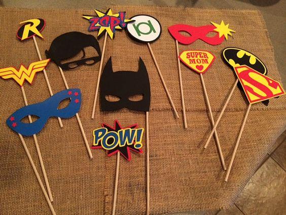 Apoyos de photobooth de superhéroe por SprigOfSageCreations en Etsy