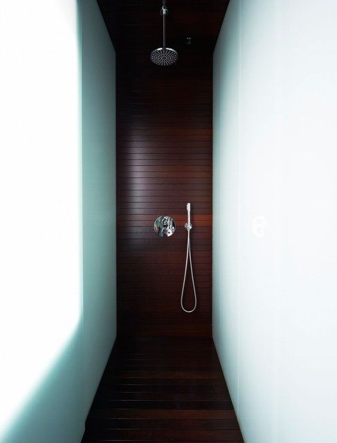 Wenge Timber Shower by Vaillo + Irigaray: Interiors Bathroom, Shower Classy, Dream Shower, Bathroom Showers, Narrow Bathroom, Shower Booth, Massive Shower