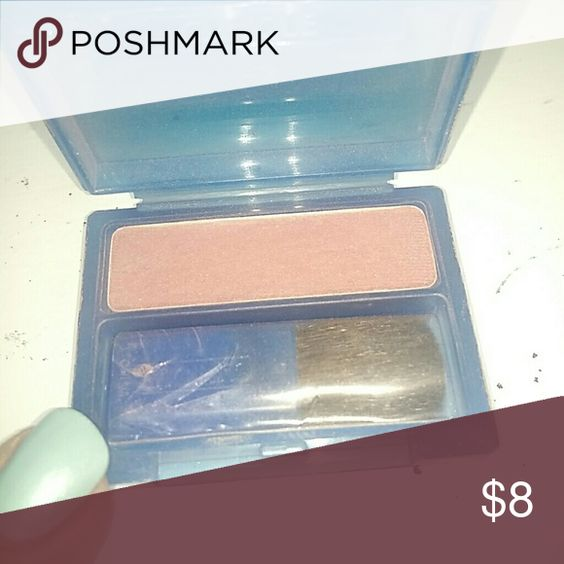 Clinique blush compact Powder blusher with brush, in New Clover. Used once. It's a lovely color and great quality; I just don't wear blush more than a couple times a year. Color works on lighter tones or olive tones. Clinique Makeup Blush