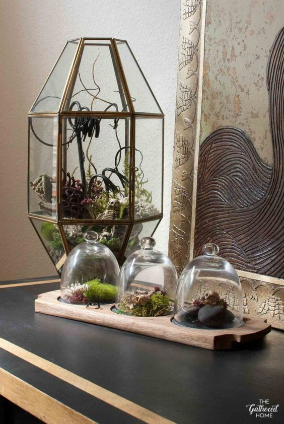 The terrarium trend gets a Halloween twist - equal parts beautiful and a little unsettling. Get all the details in this post!
