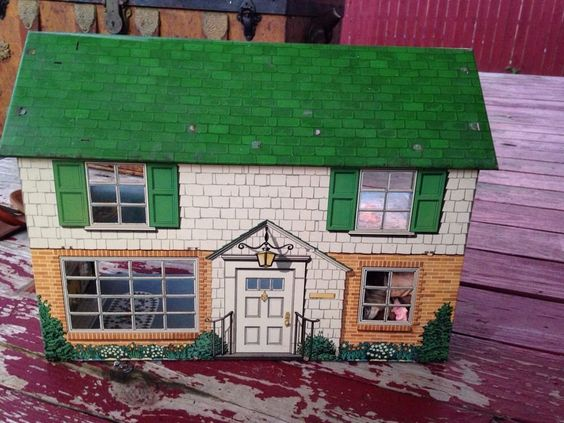 Vintage Metal Dollhouses 22