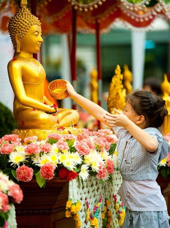 72 hours backpacking in Chiang Mai on occasion of Songkran water festival.