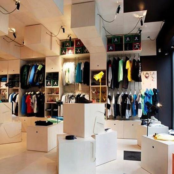 WeSC Concept Store em Oslo, Noruega. Projeto do escritório  Arkitekturverkstedet i Oslo. #moda #atitude #fashion #fashionattitude #lojaconceito #conceptstore #storedesign #interior #interiores #artes #arts #art #arte #decor #decoração #architecturelover #architecture #arquitetura #design #projetocompartilhar #davidguerra #shareproject #wesc #wescconceptstore #oslo #noruega #norway #arkitekturverkstedetioslo