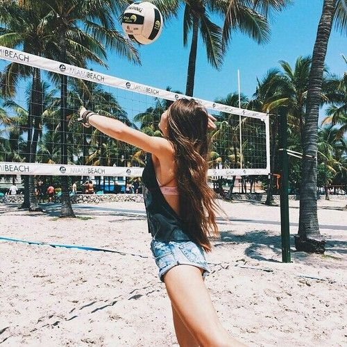 Uploaded by Lagrima. Find images and videos about girl, summer and beach on We Heart It - the app to get lost in what you love.