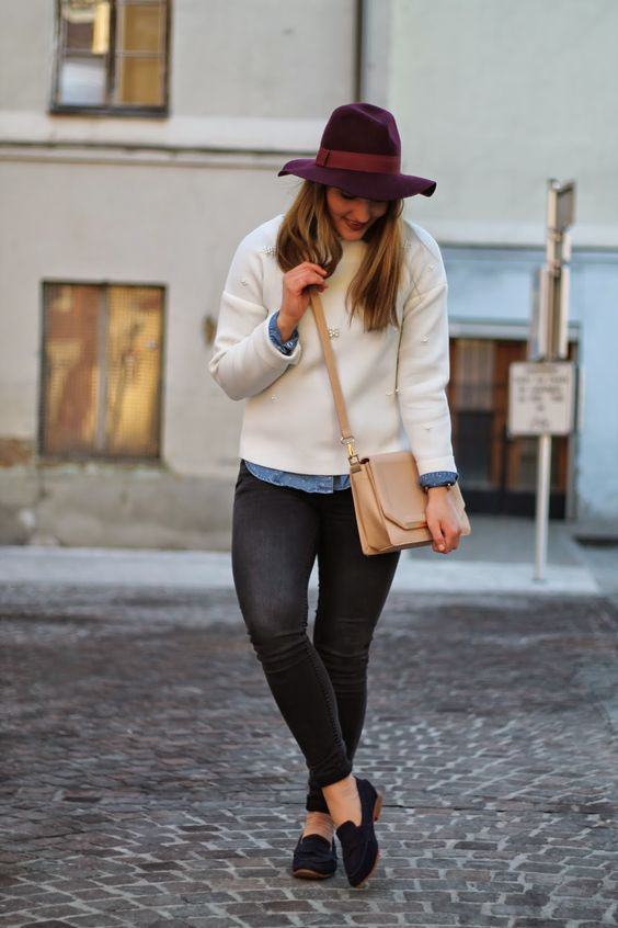 Winter Outfit /Winter Style / White Sweater with Pearls / Bordeaux Hat