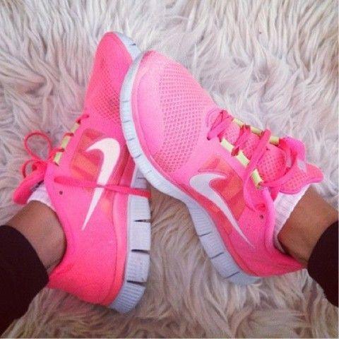 cheap ladies nike running shoes