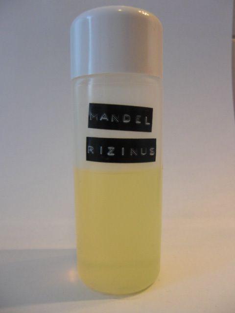 Für die Reinigung meines Gesichts habe ich für mich die Oil Cleansing Method, kurz OCM, entdeckt. Was ist das? Wie der Name schon sagt, wird hier eine Gesichtsreinuigung mit Öl durchgeführt. Es mag...
