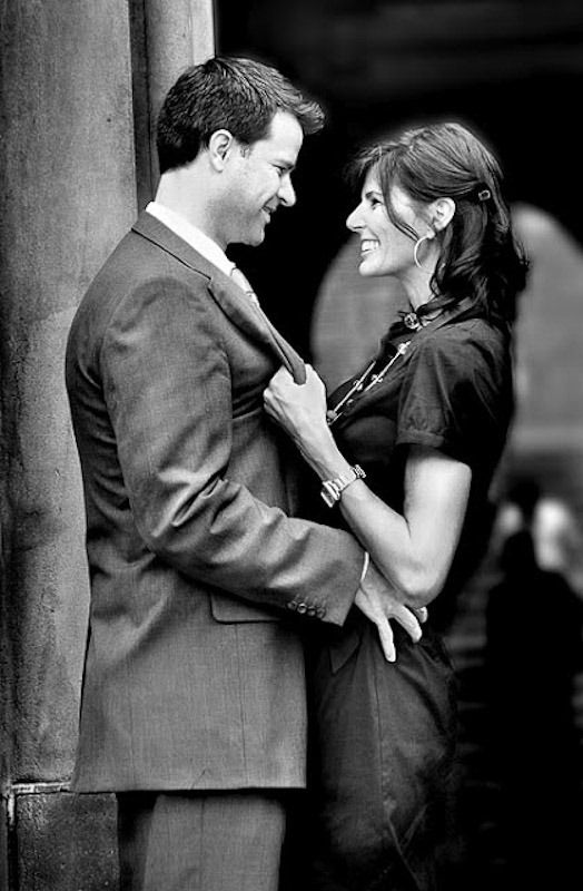 Such a cute couples picture idea!