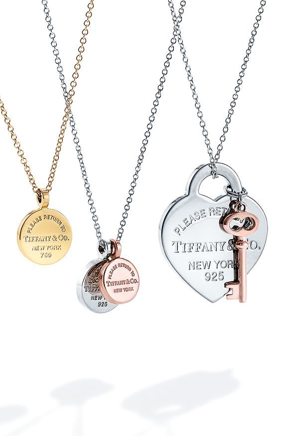 Pendants from the Return to Tiffany® collection will have her in a New York state of mind all year round.
