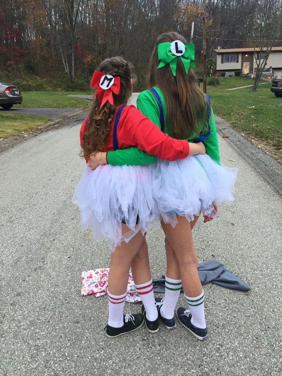 50 Bold And Cute Group Halloween Costumes For Cheerful Girls   EcstasyCoffee