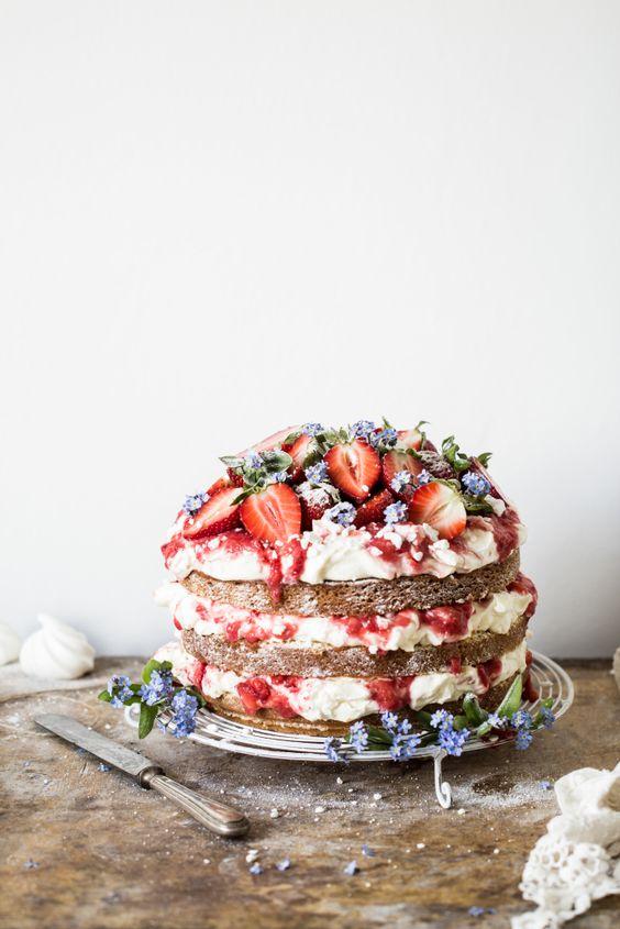 Sweet Tooth Girl | Eton Mess Cake