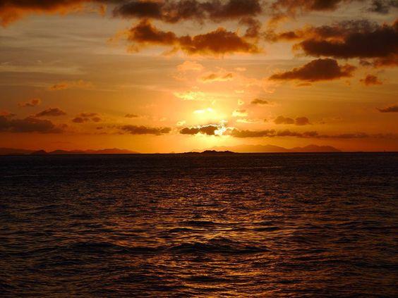 #nofilter has been used in the making of this shot #promise #skyporn #sky #sunset #sunsetlovers #sunrise_sunsets_aroundworld #travel #travelaustralia #greatbarrierreef #island #snorkeling #goodnight #eastcoast #whitsundays #shark #ihatehashtags #landscape #landscape_lovers #boatlife #sailing #sailor #backpacking #horizon #waves #ripples #ihatehashtags by tashas_travels http://ift.tt/1UokkV2