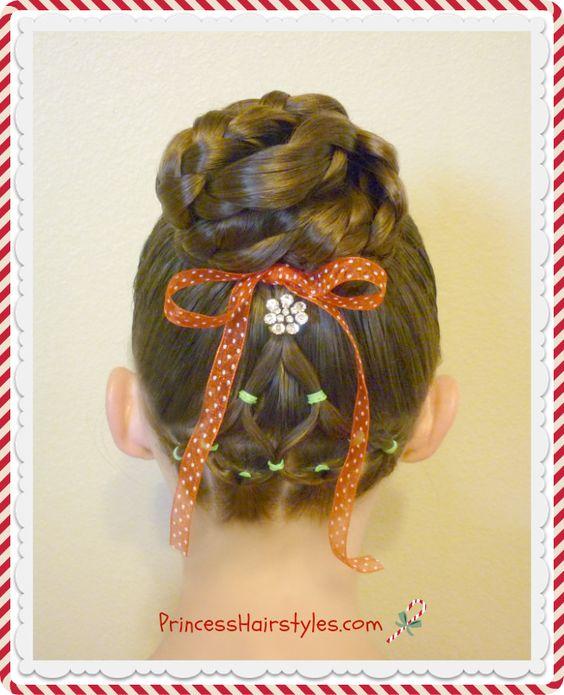 Christmas hairstyle! Elastic Christmas tree and bun.