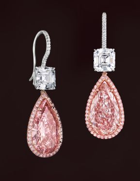 Something that you definitely don't get to see every day... Pear shaped pink diamond earrings. As if finding one is not difficult enough. As the original pinner said - Dreamy pink diamond earrings ♥