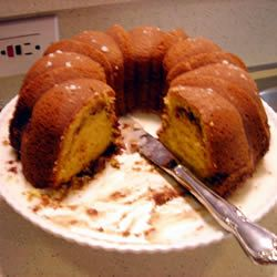 Cinnamon coffee cake -- So easy! With cake and Jell-0 pudding mixes. Suggestion : Replace some of the oil with apple sauce.