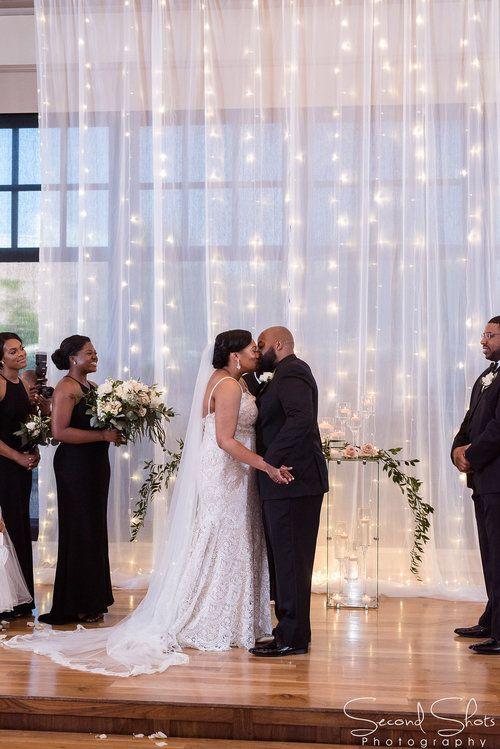 First Kiss Shot Noah S Wedding Venue Wedding Planning In Houston Texas Wedding Planner Wedding Planning Inspiration