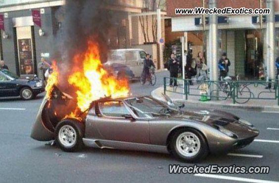 Lamborghini Miura crashed
