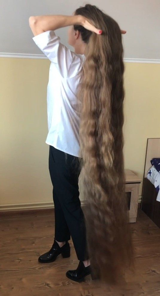 Phone Video Romanian Rapunzel Lidia Realrapunzels In 2020 Long Hair Styles Long Hair Community Extremely Long Hair