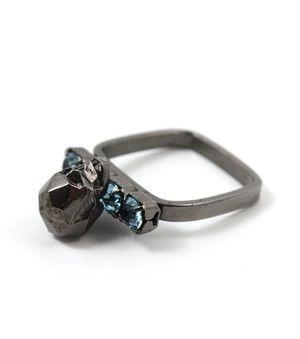 Punk Royal Crystal Ring w. Skull - Jet / Blue