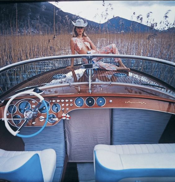 Retro boating from 1962